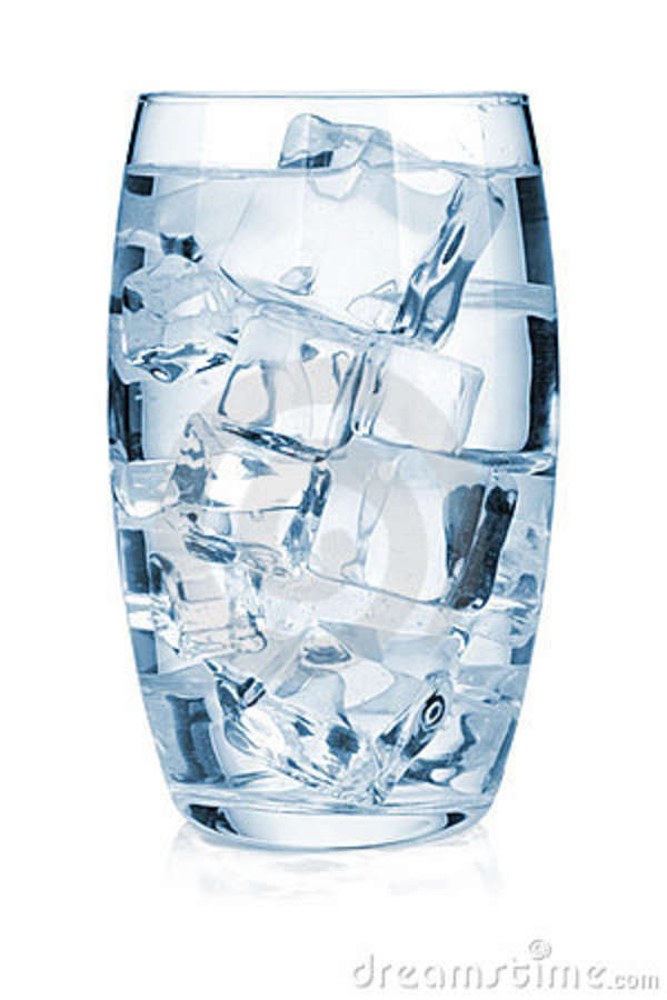 glass-of-ice-water-bnelykc7